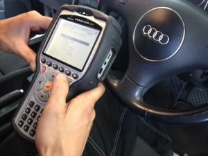 当店の診断機です。国産、外車共に診断できます。(一部車種を除き)